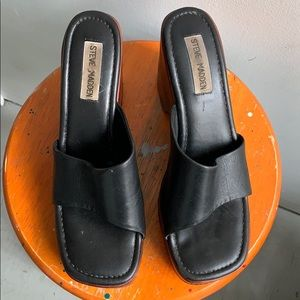 Vintage Steve Madden Black Leather Chunky Sandal
